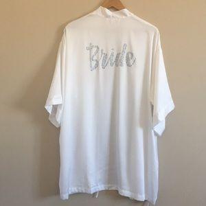 VS   White Bride Kimono Robe Crystal Lettering OS